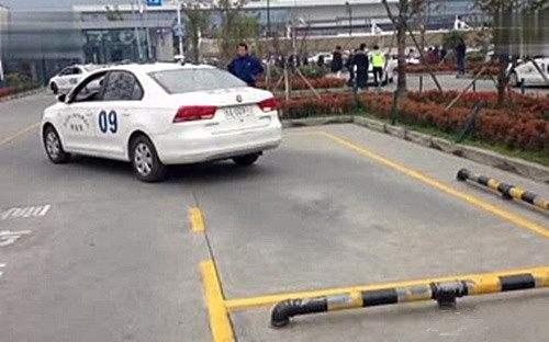 侧方停车训练